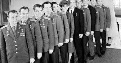 История первого отряда космонавтов…